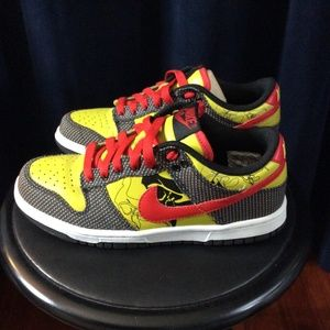 Nike Dunks Sneaker Kicks Multi Abstract Size 6Y
